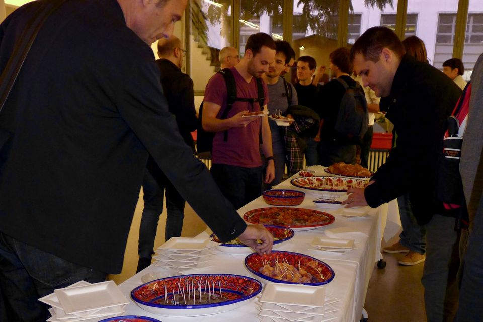 Apero after the inauguration of the AlumniComputerScience